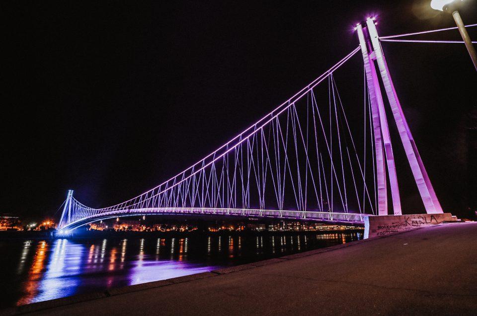 Osječki pješački most u bojama Kreativne riznice